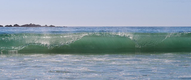 wave-550849_640